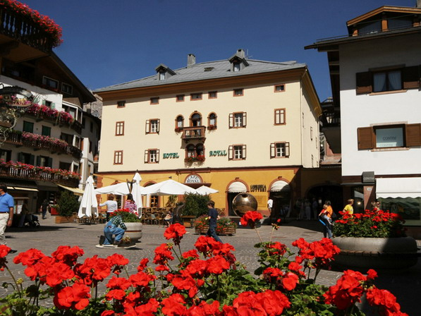 The Hotel Royal is located in the center of Cortina